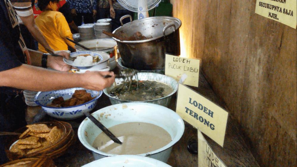 Makan Seperti di Dapur Sendiri